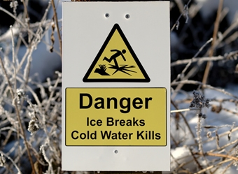 Danger - ice breaks