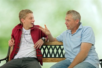 Dad-talking-to-teen-about-sex